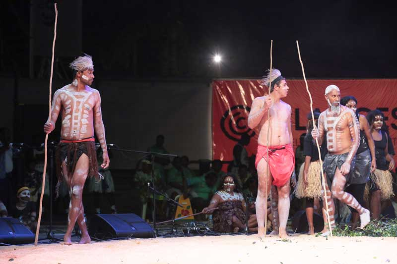 butchalla men dancing